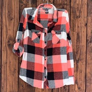🍀5 for $25🍀 Plaid flannel shirt